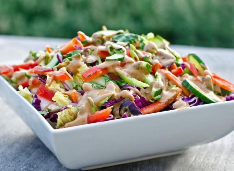 thai-peanut-salad-with-peanut-dressing-1024x749